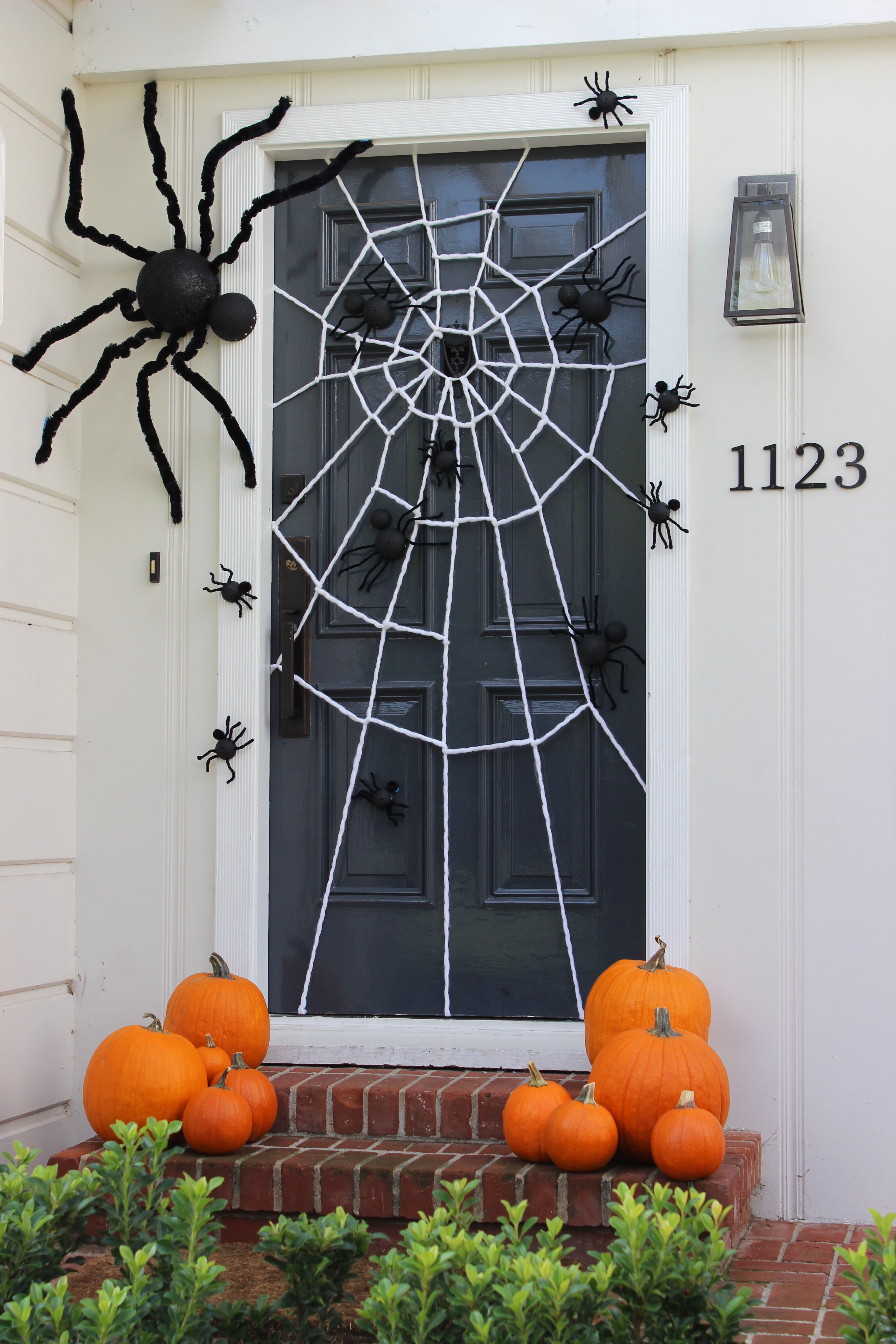 Spiderweb Door +12 Spider-man Party Ideas Mom's little hero has grown another year and it's just the chance to have a wonderful party with a theme that kids adore, the amazing Spider-man. Prepare the mothers throw nets and spider sense so that all the guests have incredible moments and organize an unforgettable children's party. www.partymazing.com