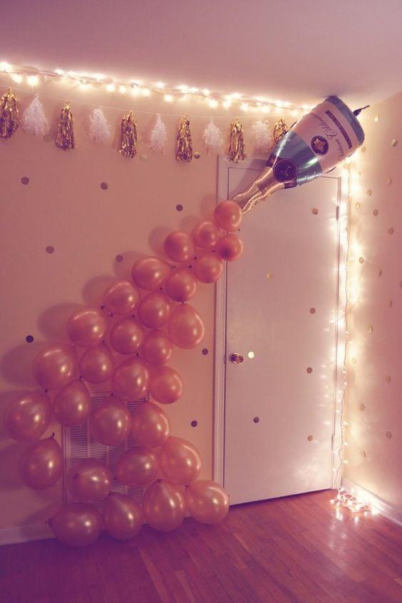 DIY Bubbly Balloon Decoration