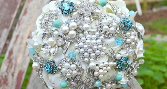 Trend Alert: Brooch Bouquets