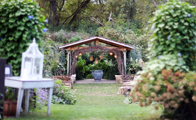 Wedding Feature: A Romantic Garden Wedding