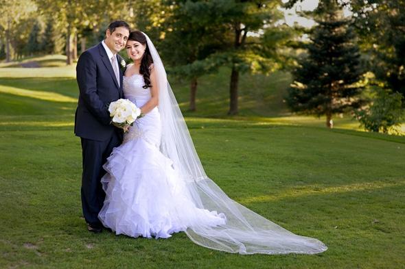 Ouro elegante e branco do casamento, Nicole Chan 2013