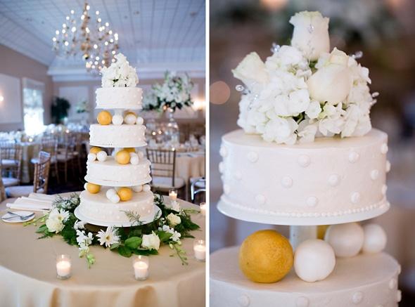 Ouro elegante e branco bolo de casamento casamento-grego