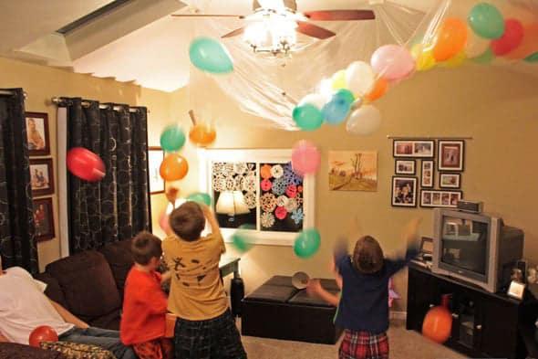 DIY Balloon Drop - Kid-Friendly New Year's Party Ideas
