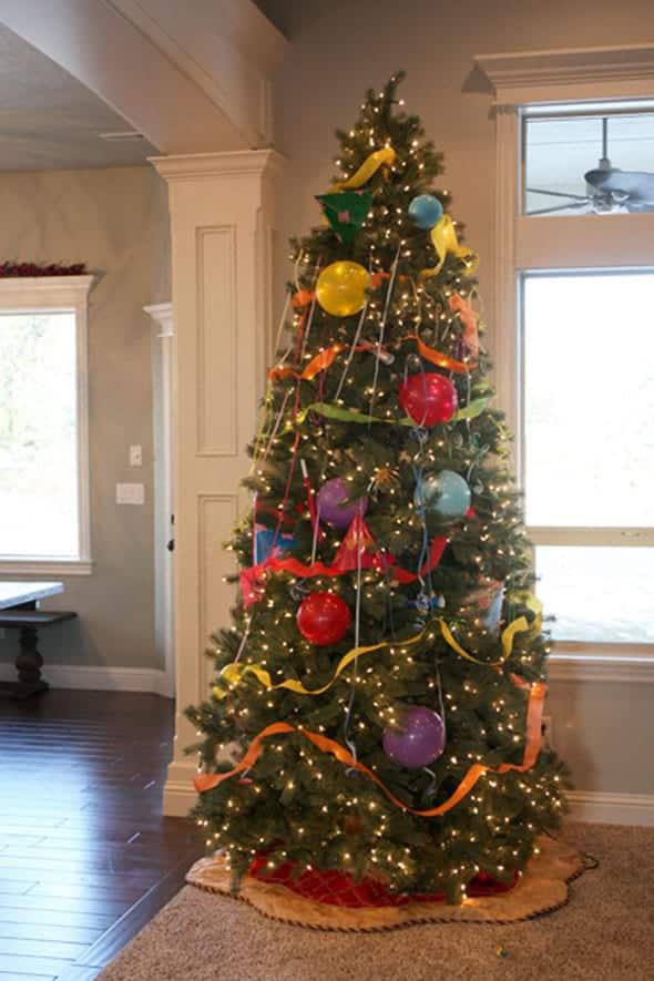 New Year's Tree - Kid-Friendly New Year's Party Ideas