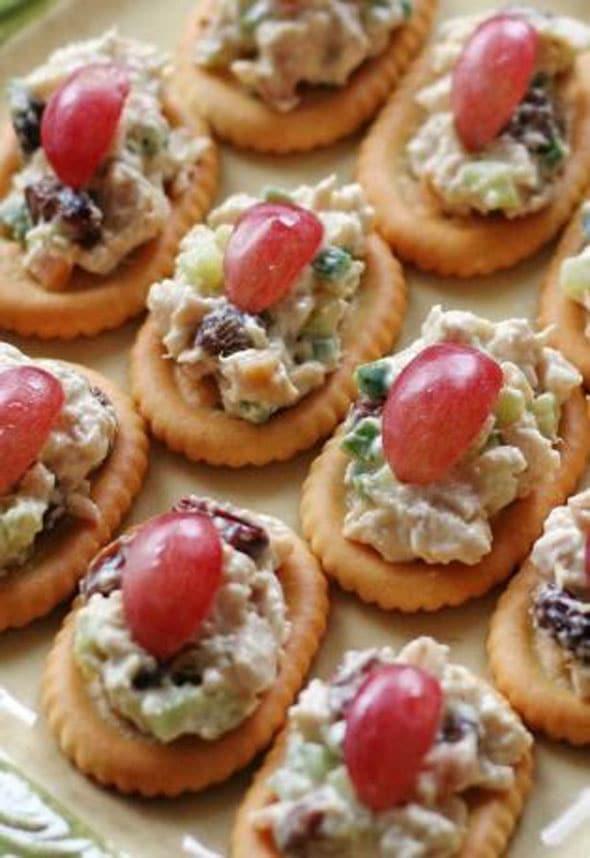 Almond-Chicken-Salad-Crackers