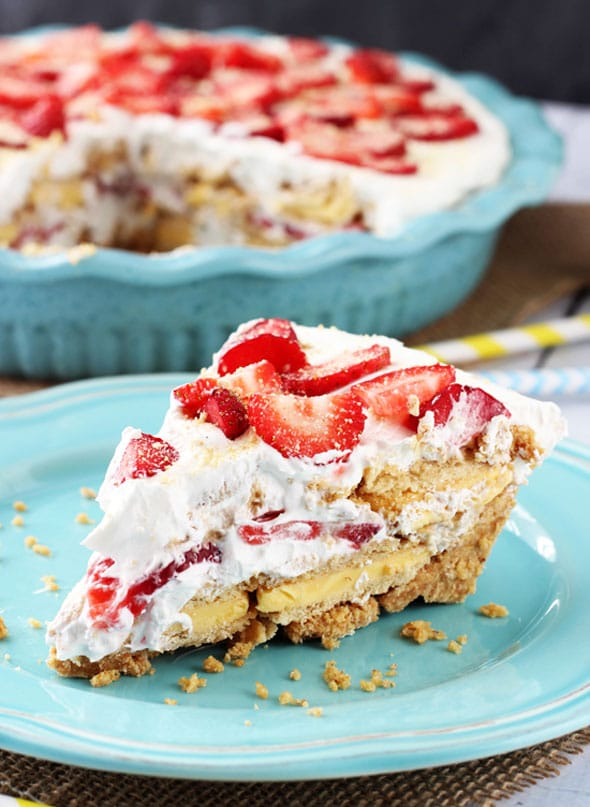 No-Bake-Strawberry-Lemon-Cookie-Pie