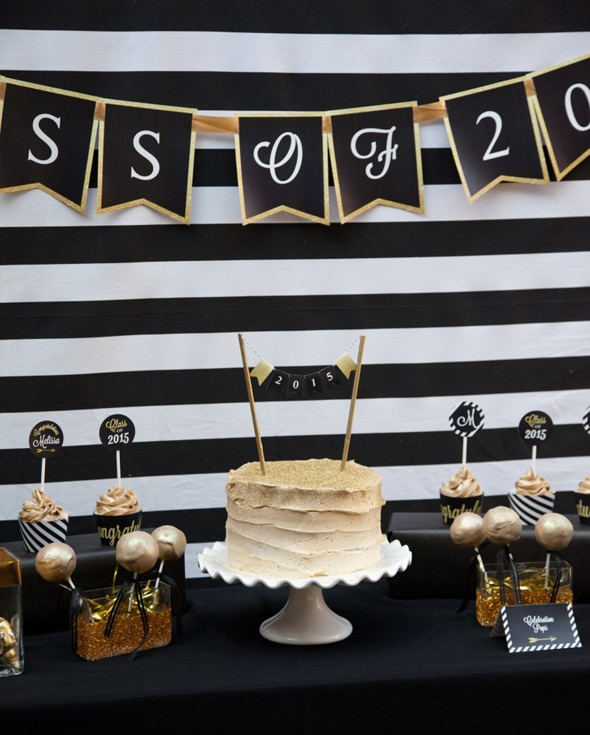 black-gold-grad-party-table