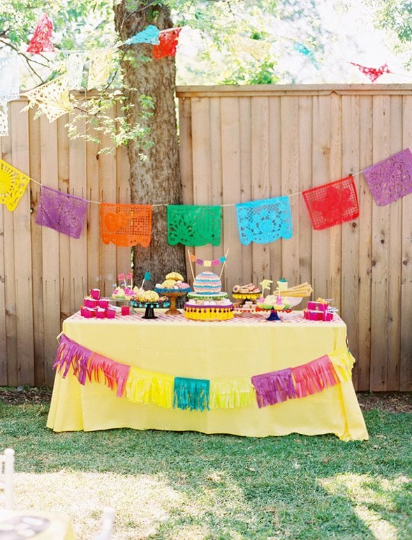 colorful-fiesta-table