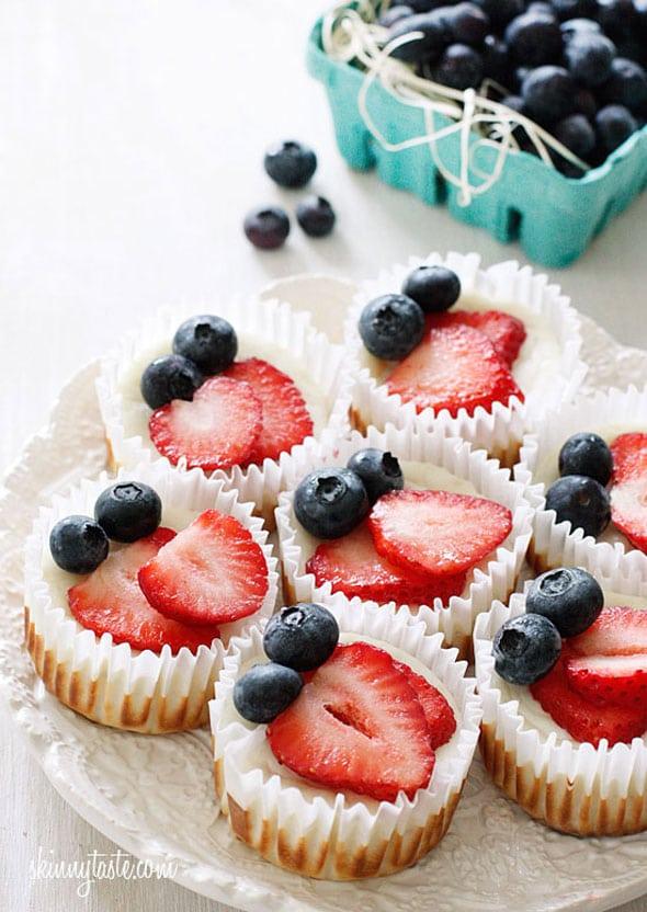 red-white-and-blueberry-cheesecake-yogurt-cupcakes