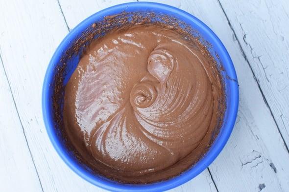 chocolate-doughnut-batter