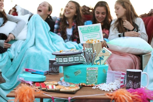 drive-in-movie-party-cake