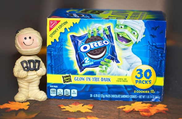 5 Glow-In-The-Dark Oreo Halloween Party Ideas