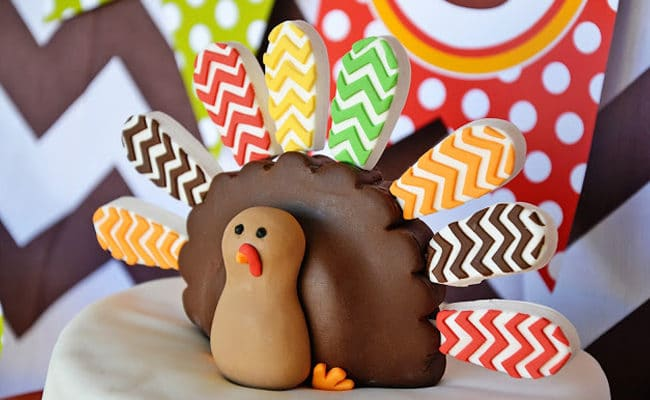 17 Thanksgiving Kids Table Ideas
