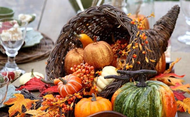 15 Stunning Thanksgiving Table Ideas