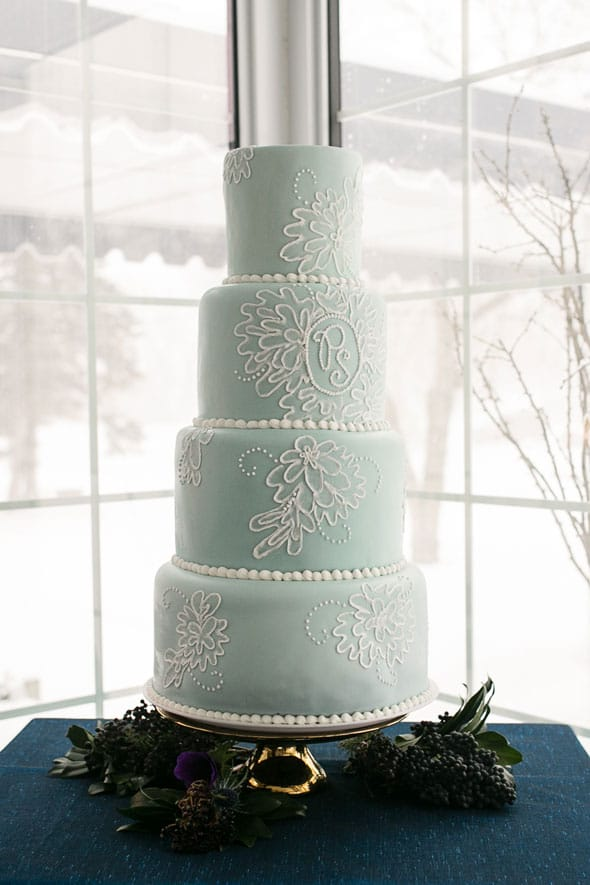 Winter-Wedding-Styled-Shoot-Cake