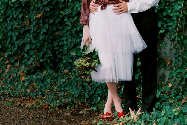 holiday-wedding-red-shoes