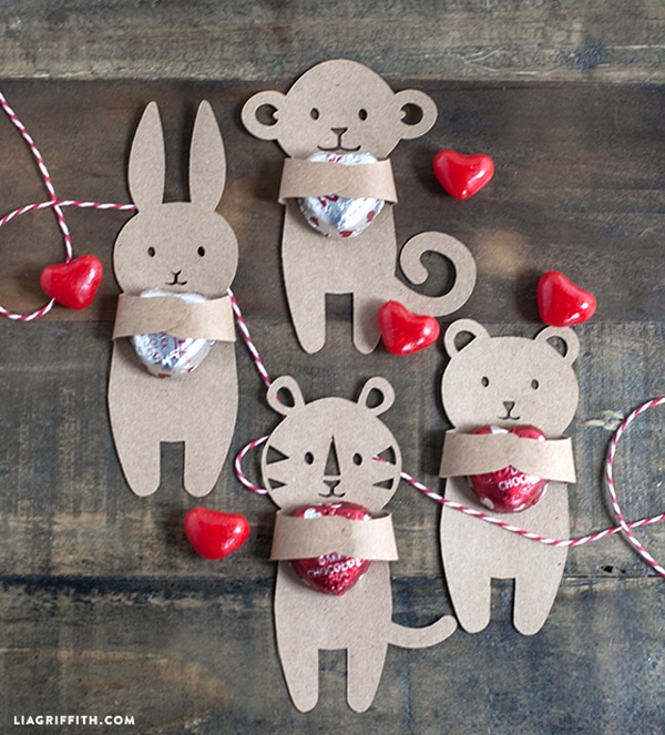 Valentines-DIY-Candy-Huggers