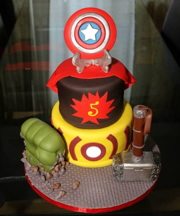 Cake Design Avengers : 10 Awesome Avengers Cakes - Pretty My Party