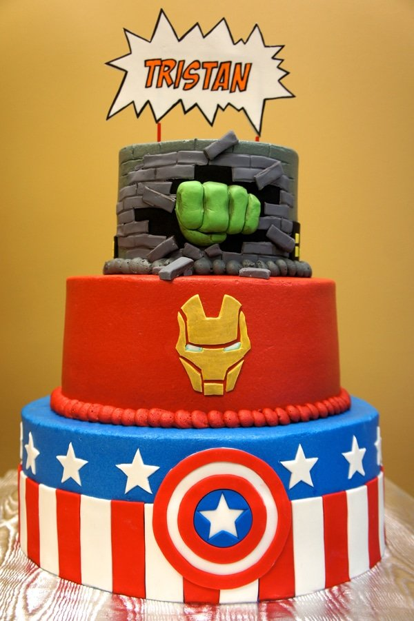 10 Awesome Avengers Cakes - Pretty My Party