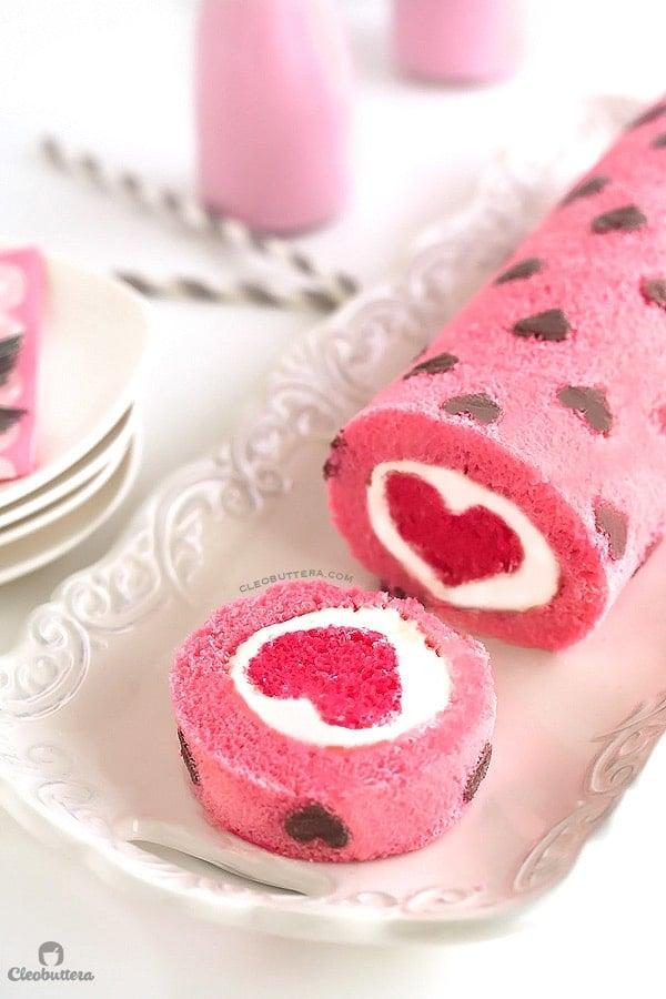 heart-cake-roll