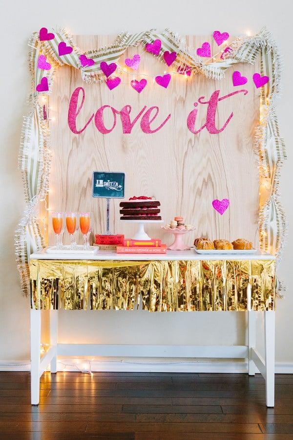 love-it-valentine-dessert-table