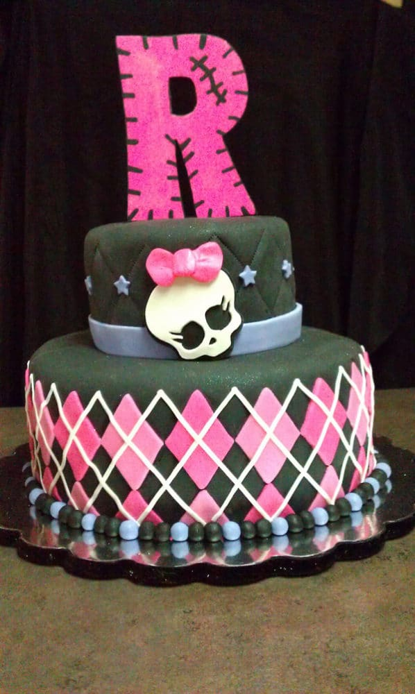Cake Design Monster High : 10 Cool Monster High Cakes - Pretty My Party