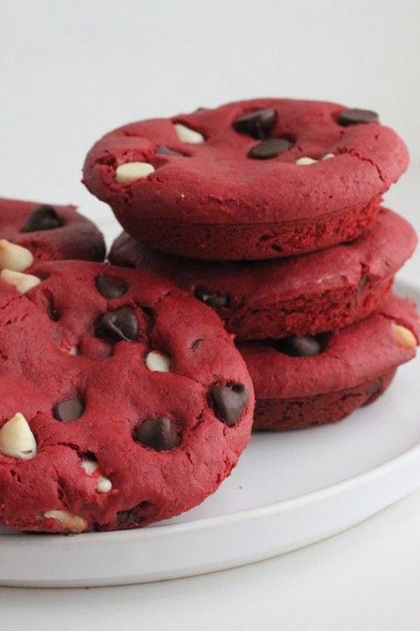red-velvet-deep-dish-cookie-recipe