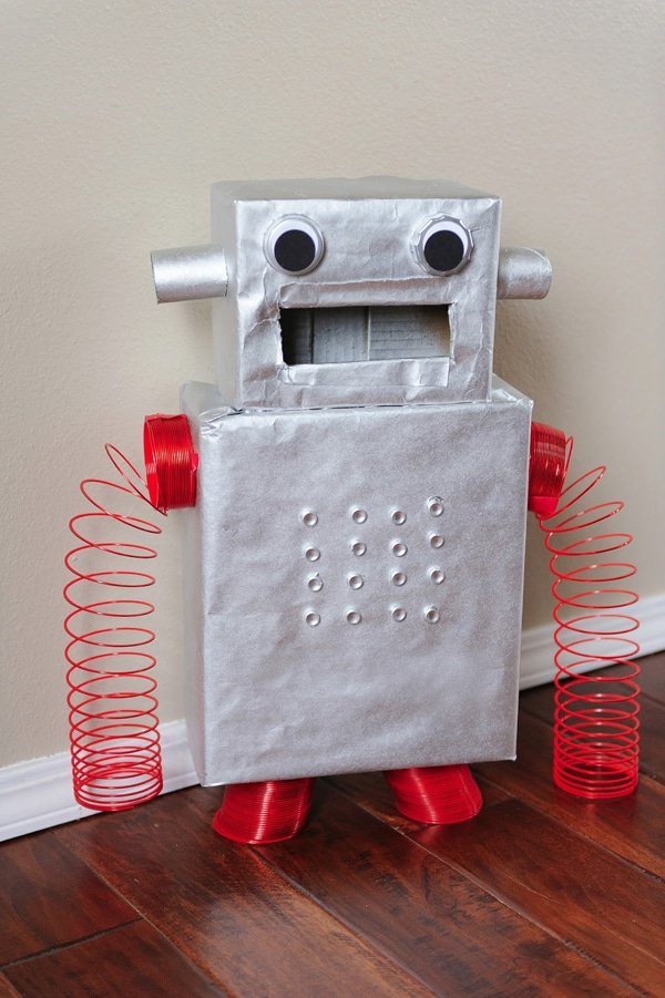 DIY Robot Valentine Card Box