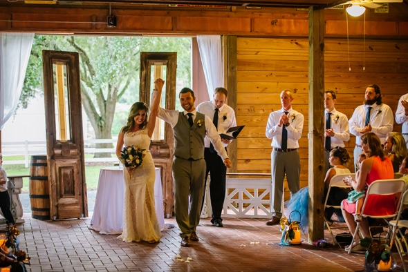southern-barn-wedding