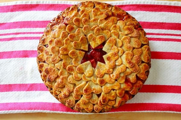 strawberry-heart-pie