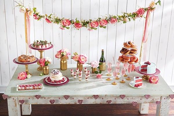 valentine-brunch-dessert-table