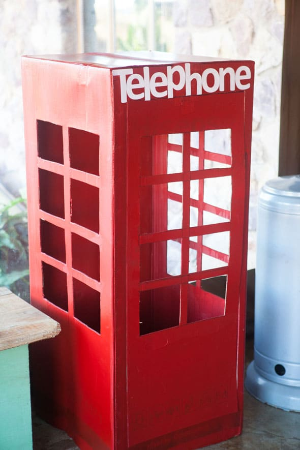 Super-Girl-Telephone-Booth