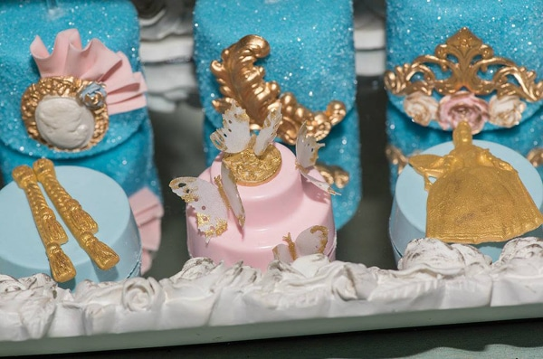 marie-antoinette-1st-birthday-party-desserts
