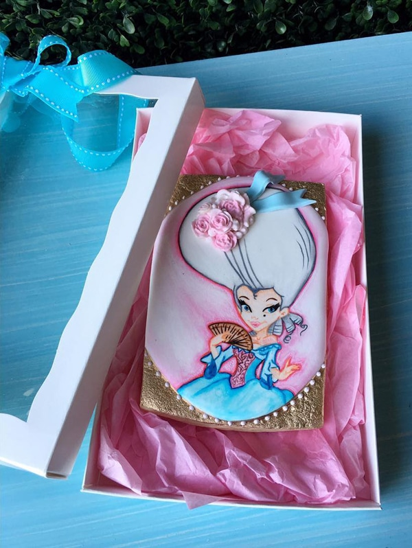 marie-antoinette-1st-birthday-party-gift