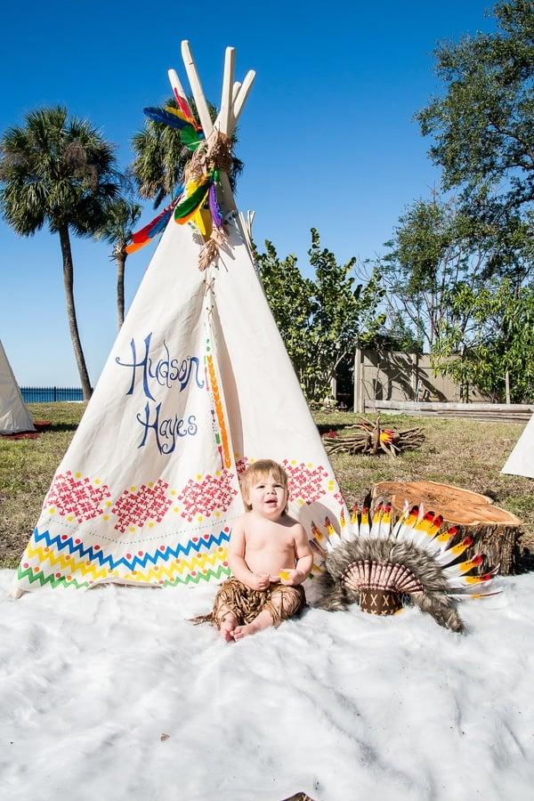tee-pee-indian-party-birthday-boy
