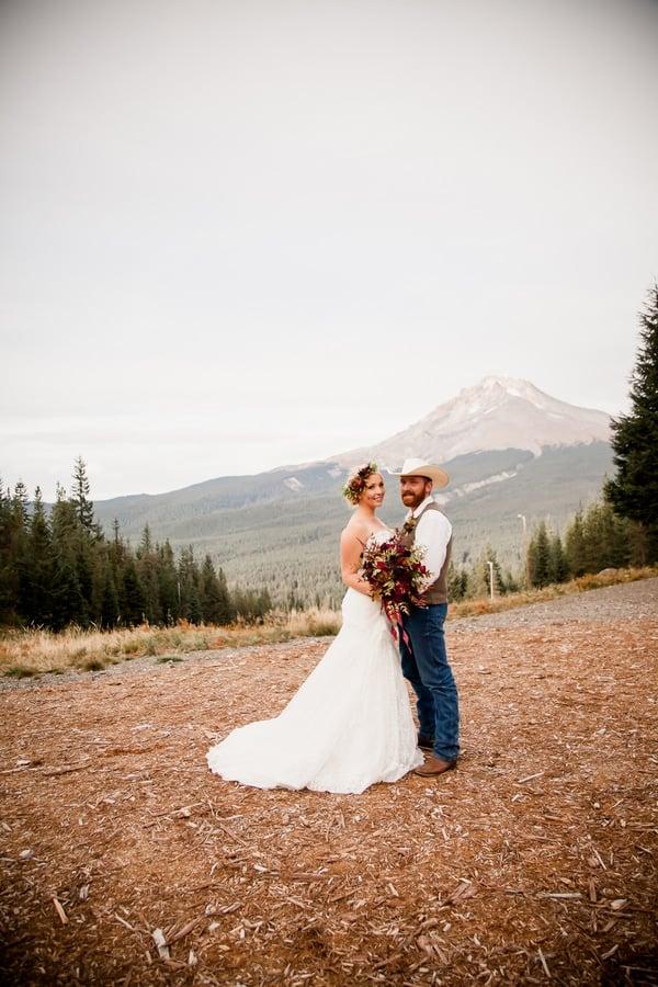 rustic-ski-lodge-wedding-bride-groom