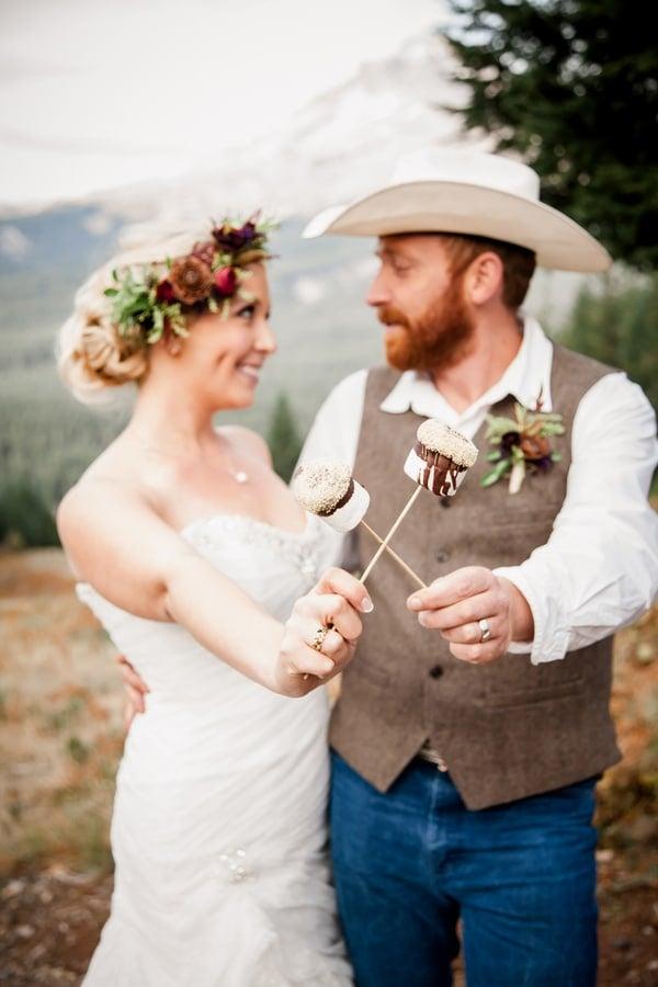 rustic-ski-lodge-wedding-marshmallows-1
