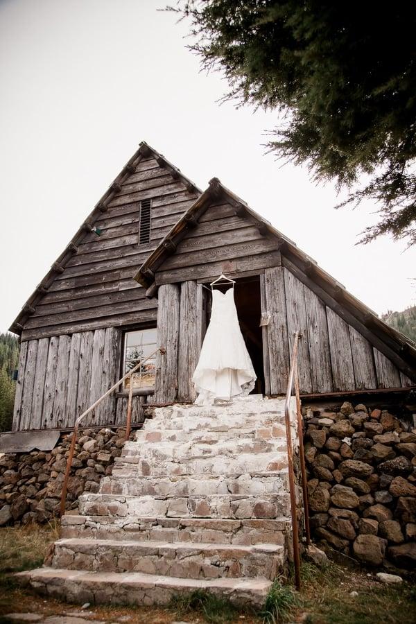 rustic-ski-lodge-wedding-styled-shoot-bride-dress