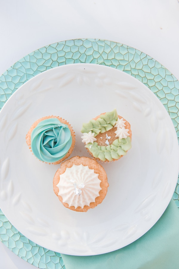 turquoise-white-styled-shoot-dessert-1