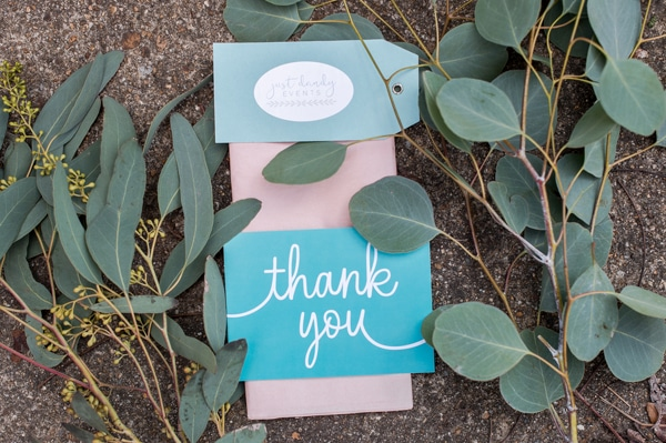 turquoise-white-styled-shoot-just-dandy-thank-you