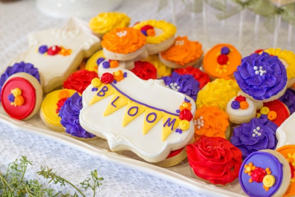 Floral Inspired Baby Shower Cookies via Pretty My Party