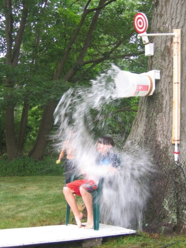 DIY Outdoor Dunk Bucket, 25 Best Backyard Birthday Bash Games