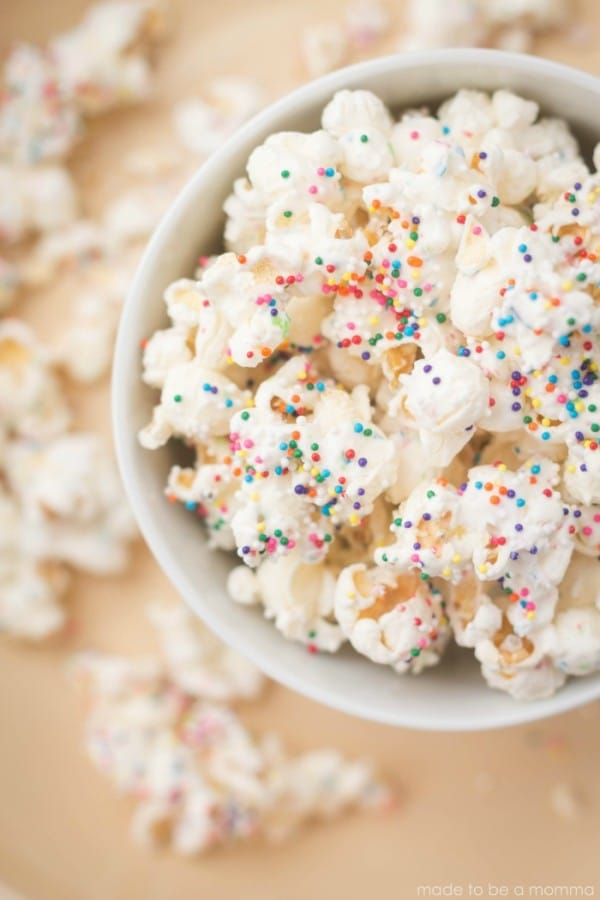 White Chocolate Party Popcorn Toddler Birthday Party Finger Foods | Pretty My Party