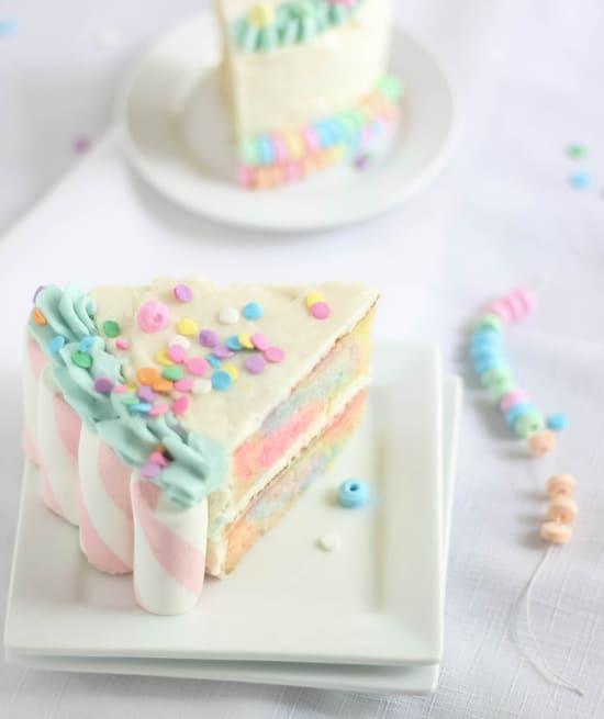 Marshmallow Swirl Cake - Unicorn Party Ideas