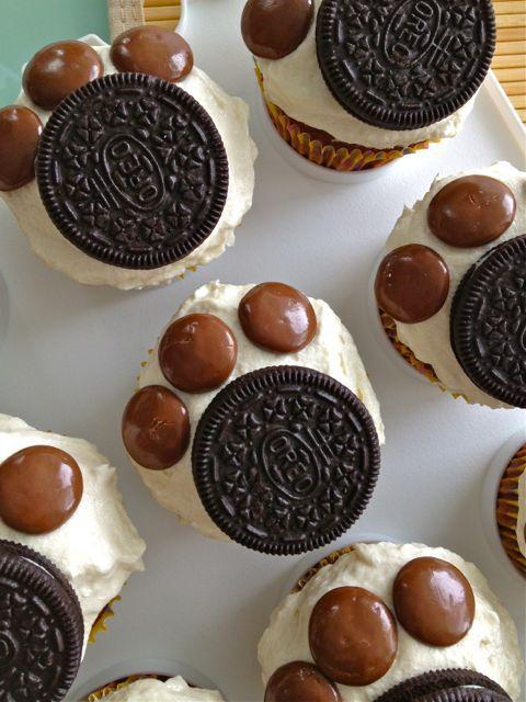 paw-print-cupcakes-2