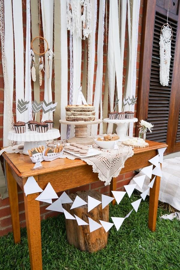 tribal-tee-pee-1st-birthday-cake-table