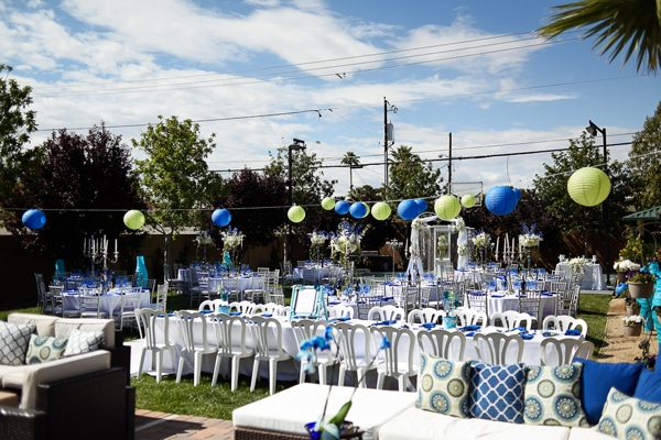 colorful-las-vegas-backyard-reception