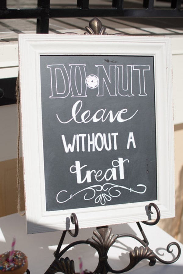 mary-had-a-little-lamb-baby-shower-donut-sign