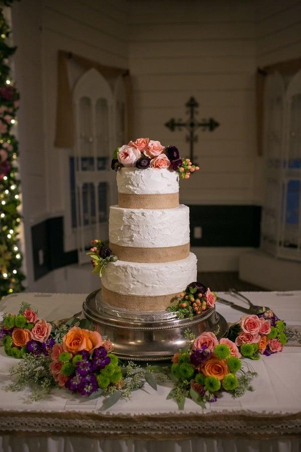 vintage-summer-nuptials-wedding-cake