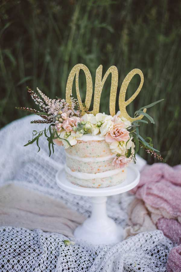 10 Must Take First Birthday Photo Ideas via Pretty My Party